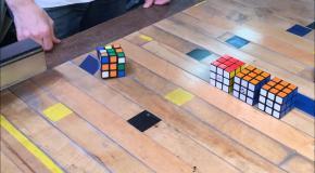 Японец создал самособирающийся кубик Рубика