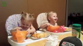 Смешные близнецы.