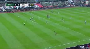 Неожиданный гол с сорока метров в матче Мексика - США