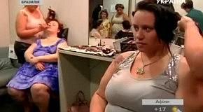В Бразилии состоялся показ одежды, в котором участвовали модели с ожирением
