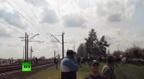 Истребитель пролетает над головами жителей Краматорска