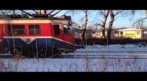Польский лыжник катался за поездом
