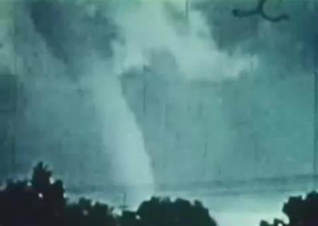 Ученые пояснили появление «зон смерти» внутри торнадо