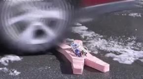 Мягкий робот победил огонь, мороз и кислоту