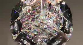 Гипнотизирующие стеклянные скульптуры
