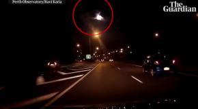 Падающий в Австралии метеорит удалось заснять на камеры