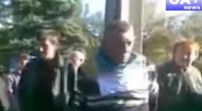 В Донецкой области мужчину привязали к столбу и назвали «карателем»