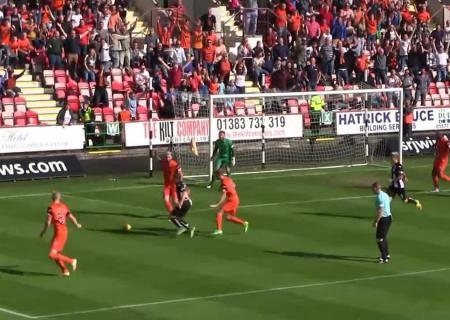 Вратарь «Данди Юнайтед» отбил 3 пенальти за23 мин.