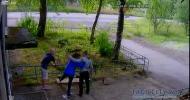 Суровые российские алкоголики сломали собутыльнице ногу