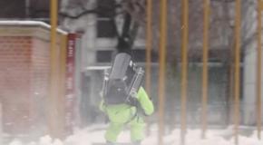 Призер X-Games использовал реактивный ранец, чтобы успеть к маме на обед