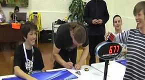 Новый мировой рекорд по собиранию кубика Рубика. 6,77 секунд