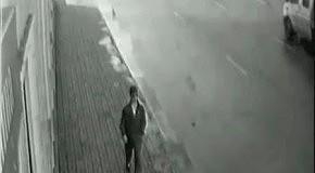 Счастливчик. Он увернулся от машины