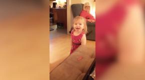Подборка самых смешных детишек с мыльными пузырями