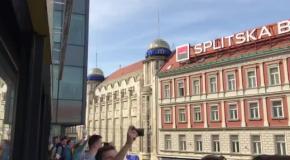 Как отрываются фанаты перед матчем с Хорватией