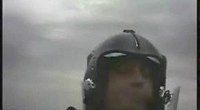 Лицо пилота вовремя перегрузокк..)