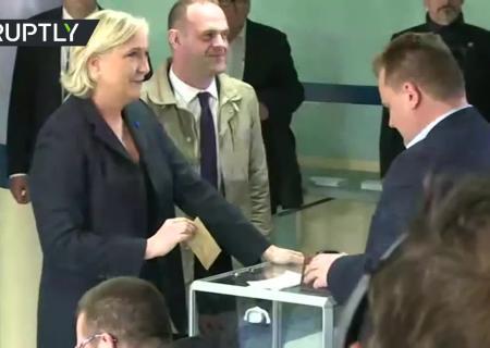 Выборы воФранции: появились первые результаты голосования назаморских территориях