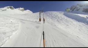 Завораживающий скоростной спуск на лыжах