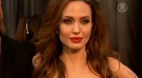 Анджелина Джоли удалила молочные железы