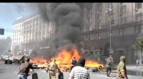 Уборка баррикад на Майдане, 7 августа: центр города в огне и дыму