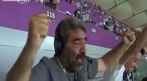 Греческий комментатор  эмоционально выражает радость голу своей сборной в ворота россиян
