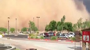 Пылевая буря накрыла целый город