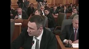 Надо воспринимать информацию с первого раза - Между Кличко и Турчиновым произошла словесная перепалка