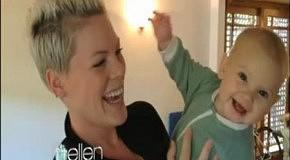 Pink и ее дочь поздравляют телеведущую Эллен ДеДженерес с Днем рождения