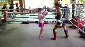 Боевая девочк