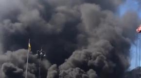 Уборка баррикад на Майдане, 7 августа: горят покрышки, сильный смог