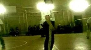 Учителя играют в волейбол))))