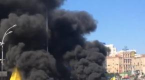 Уборка баррикад на Майдане, 7 августа: огромные тучи черного дыма