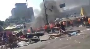 Потасовки на Майдане во время сноса баррикад