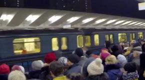 Утренняя давка в московском метро