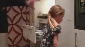 Как правильно надеть резинку для волос