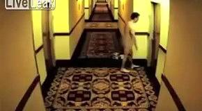 Голый мужчина бегал по гостинице в поисках ключей