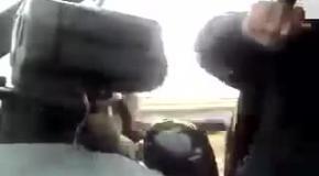 Женщина попалась на нарушении ПДД и отжигает перед полицейским