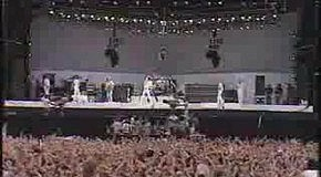 Queen- We Will Rock You and We Are The Champion Live.
