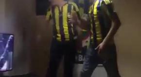 Фанат Фенербахче со злости разбил плазму во время просмотра дерби против Бешикташа