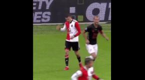 Нидерландский нападающий отметился худшей симуляцией года