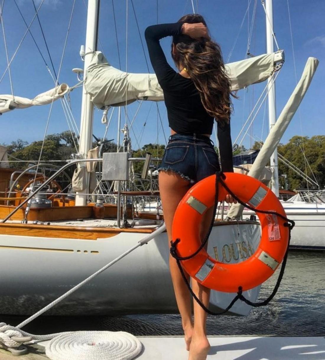 Изабель Гулар и яхта Louisa