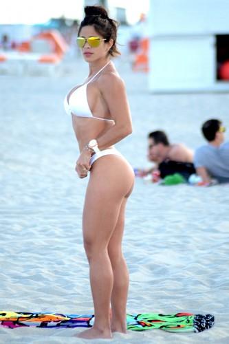 Венесуэльская модель взорвала Майами купальником