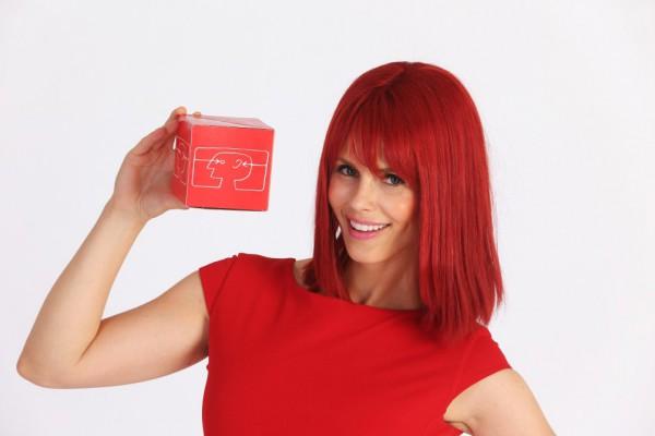 Мисс IFA 2014 c логотипом выставки