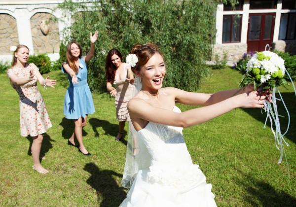 f05452ce53f Какое платье выбрать свидетельнице - Свадьба - bigmir)net