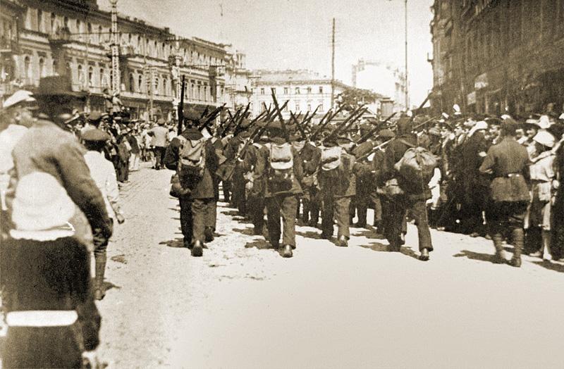Tropas polacas y ucranianas en Khreshchatyk. 8 de mayo de 1920