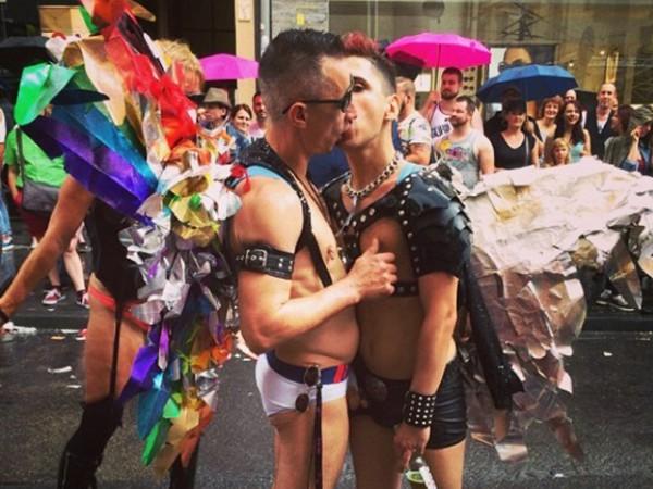 гей знакомство в европе