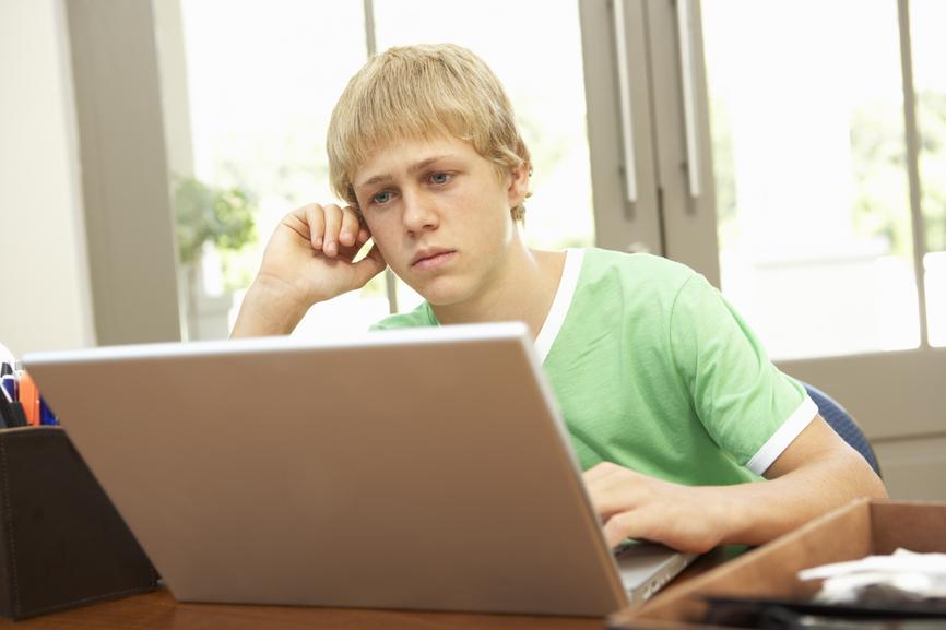 знакомства в интернете обман или нет