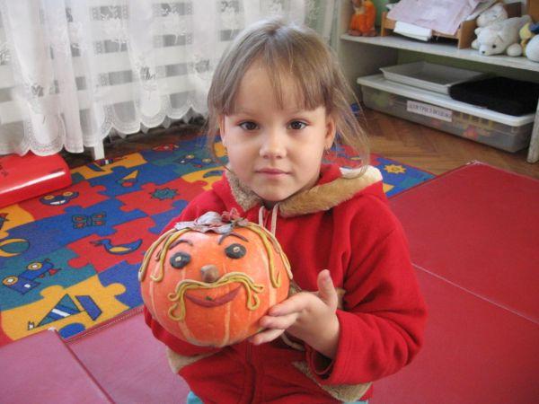 Изготовление детских поделок из бумаги к празднику осени.