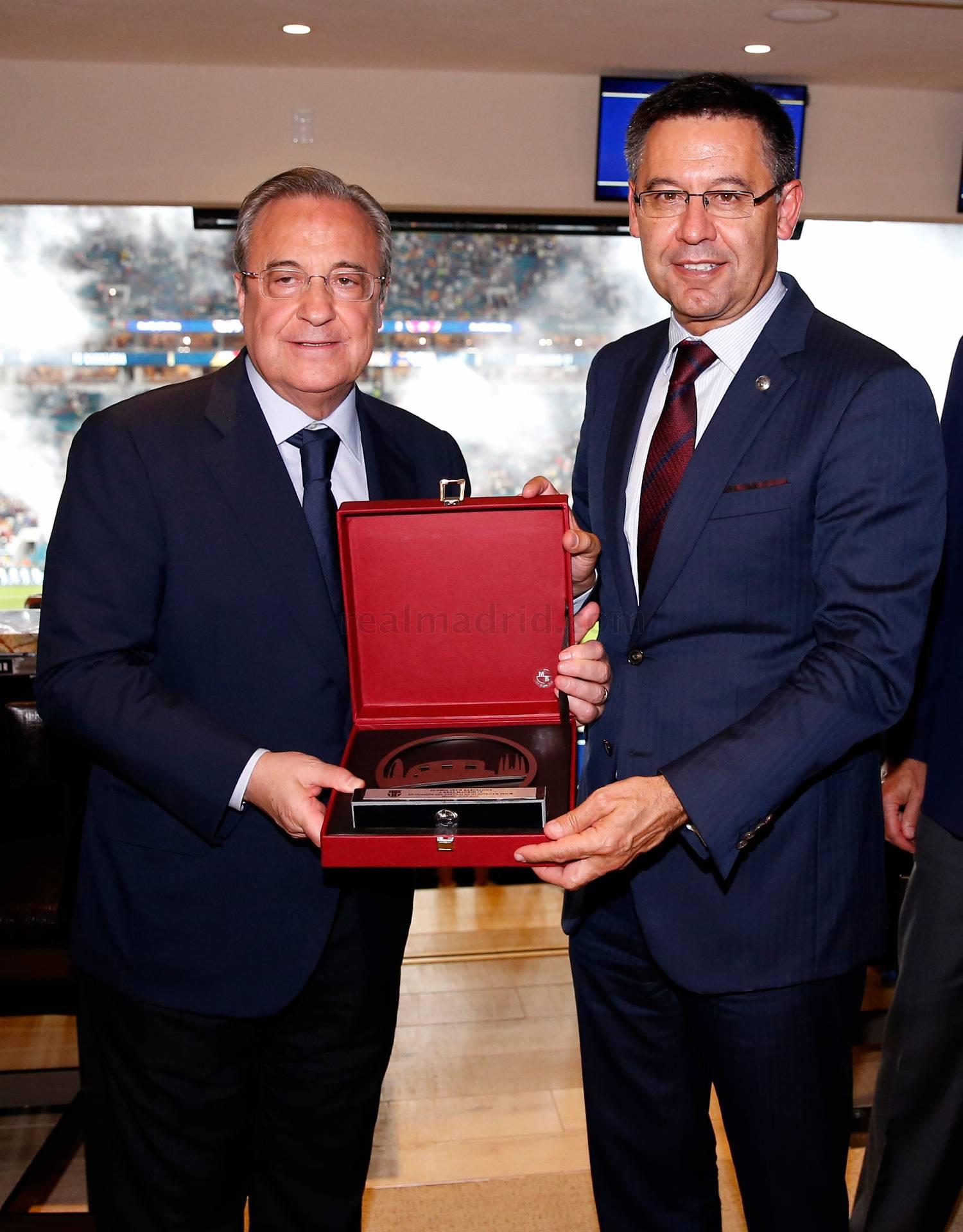 Барселона клуб владелец