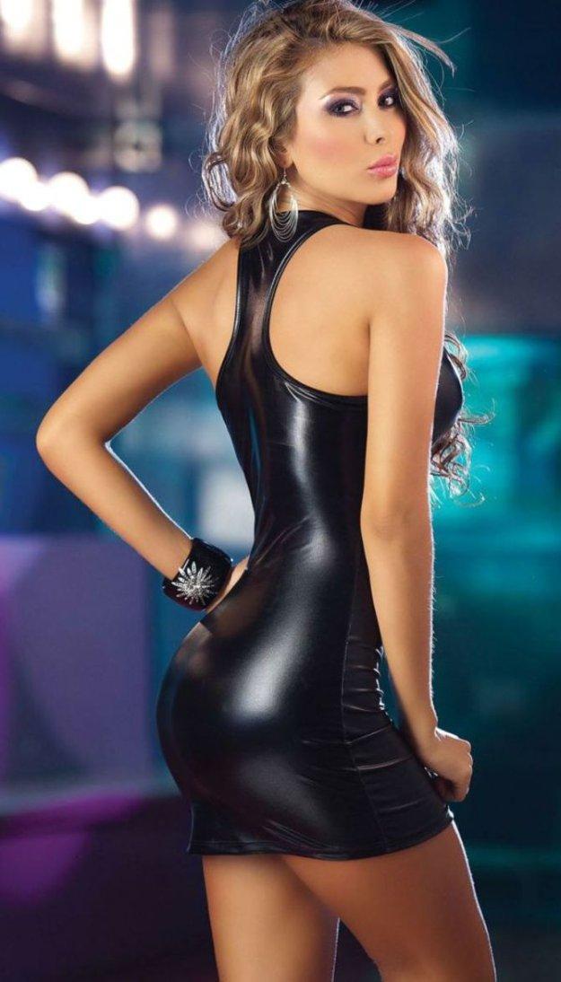 модели момент девушки в клубных платьях эро фото долгое время