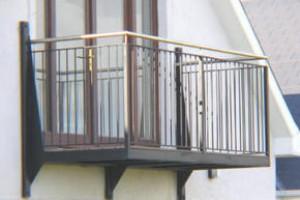 Сколько стоит пристроить к своей квартире самодельный балкон.